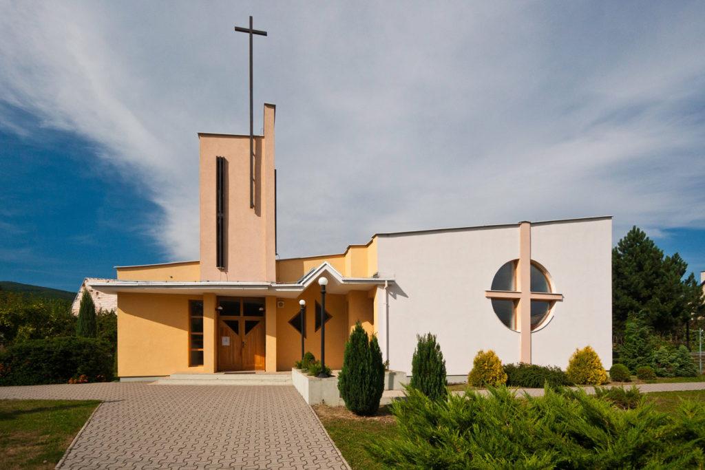 RK kostol Dubnica