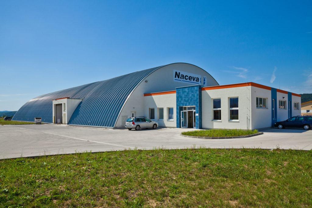Predajný sklad NACEVA Prievidza - exteriér