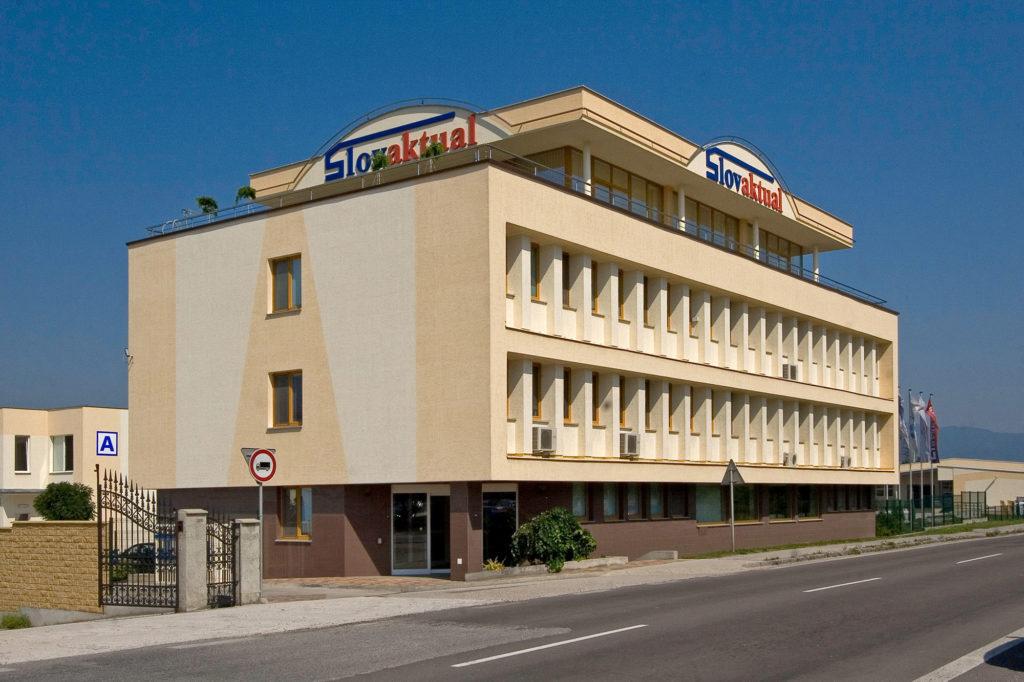 Rekonštrukcia a nadstavba administratívnej budovy Slovaktual Pravenec